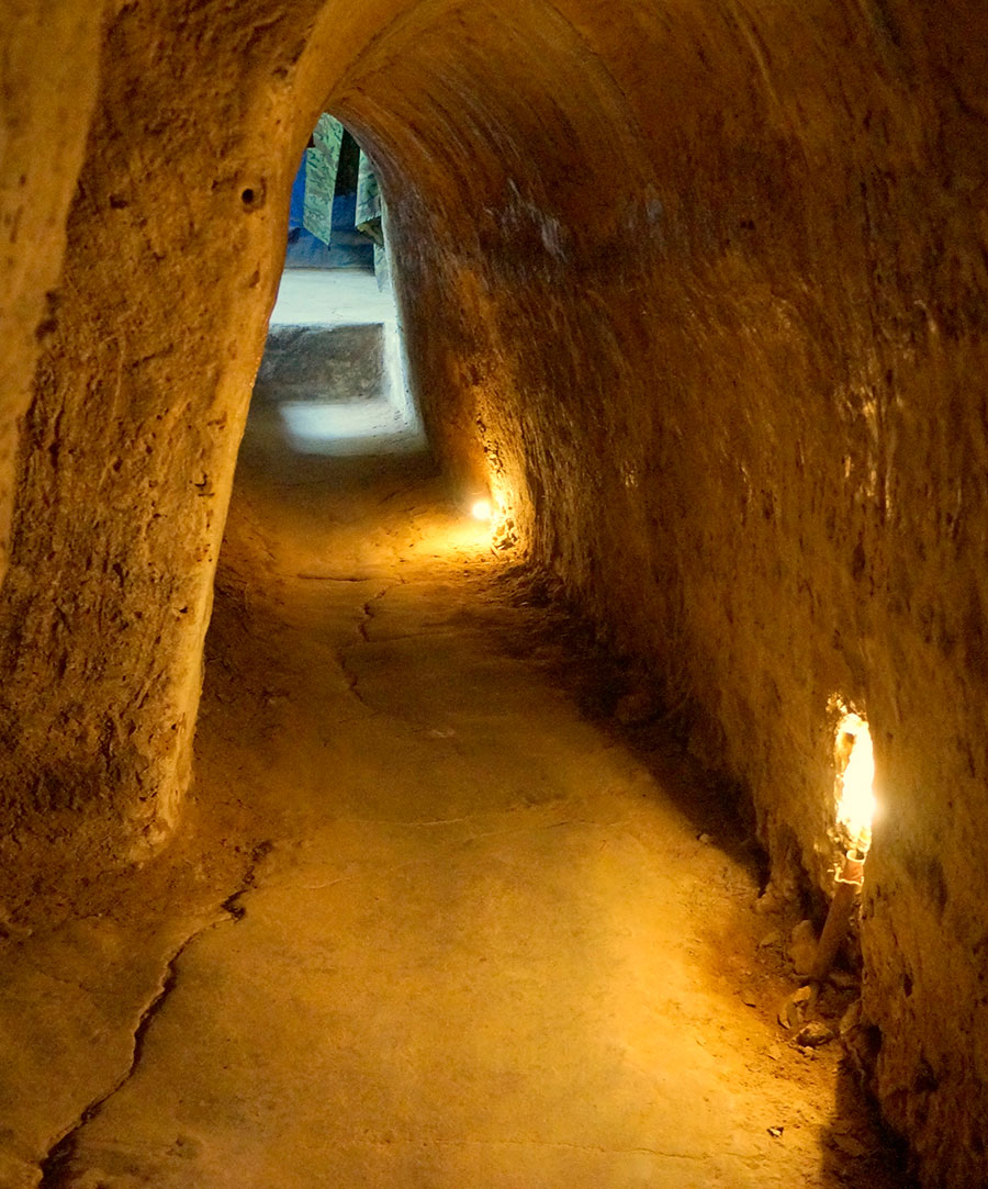 1 day motorcycle tour, amazing tunnels of Cu Chi
