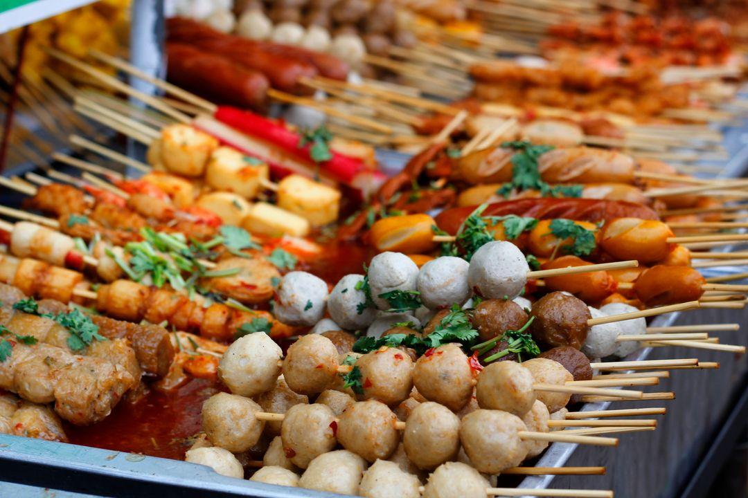 Saigon by night – flavorful street food