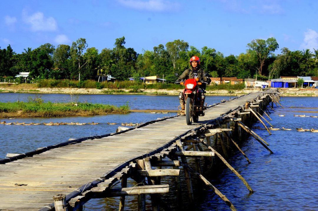 4 day Vietnam dirt bike tour, highland and coastline of south Vietnam