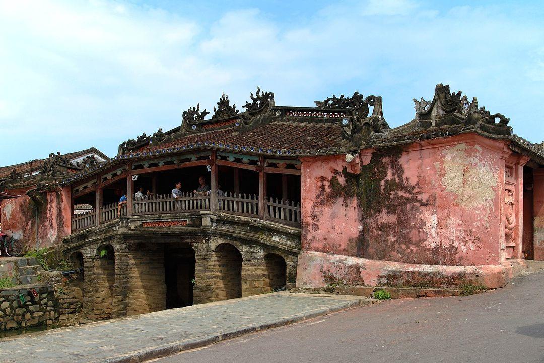 Cau Pagoda   Vietnam motorbike tours   Saigon Riders