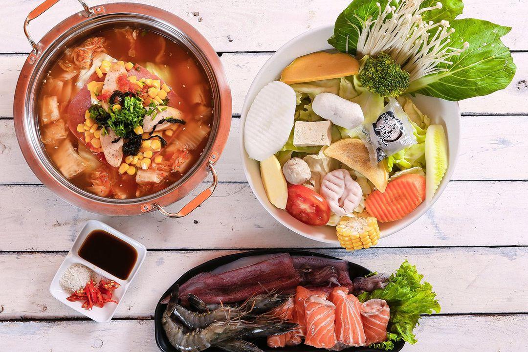 Seafood hotpot | Motorbike tours | Saigon Riders