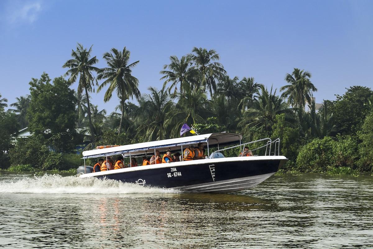 Cruising on river | SaigonRiders