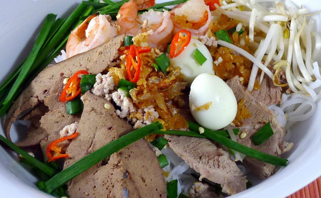 Hu Tieu My Tho _ Saigon Riders