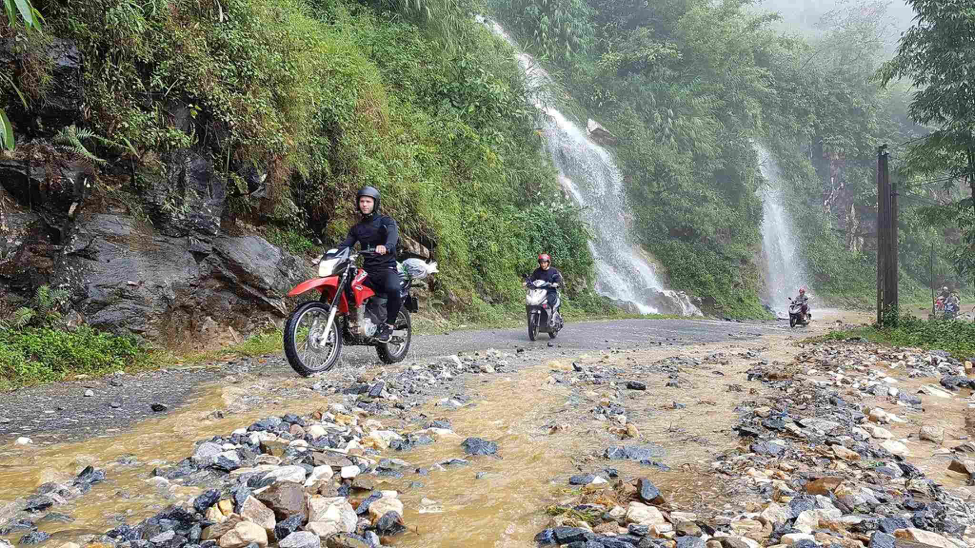 5 reasons to travel by a motorbike in Vietnam