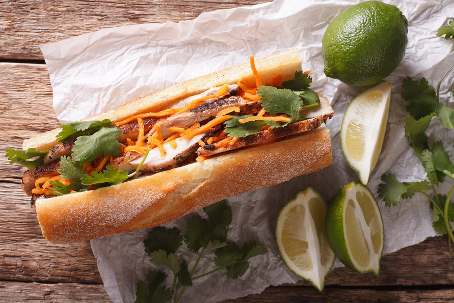 banh-mi-the-best-of-street-food-in-saigon-vietnam-saigon-riders