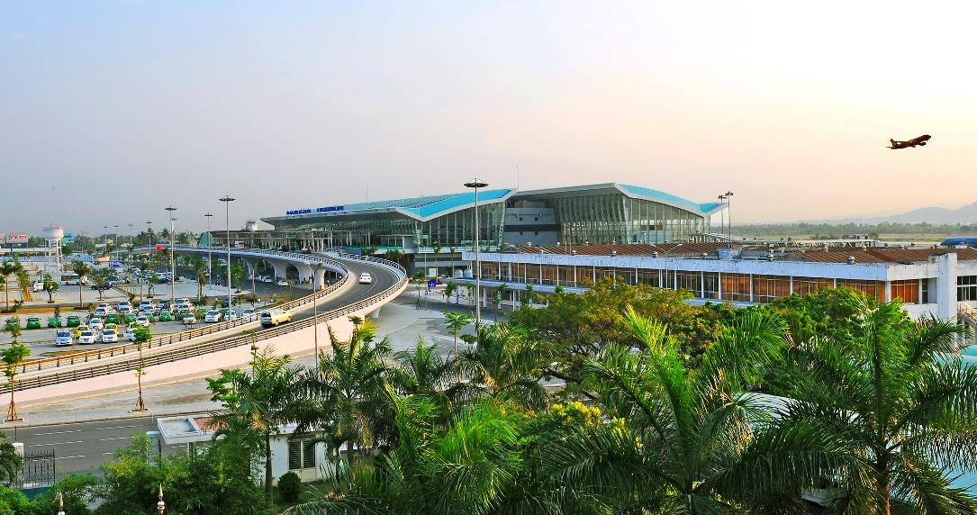 da-nang-international-airport-is-not-very-big-but-nice-saigon-riders
