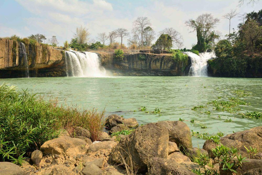daklak-has-a-combination-of-rivers-hills-waterfalls-and-lakes-saigon-riders