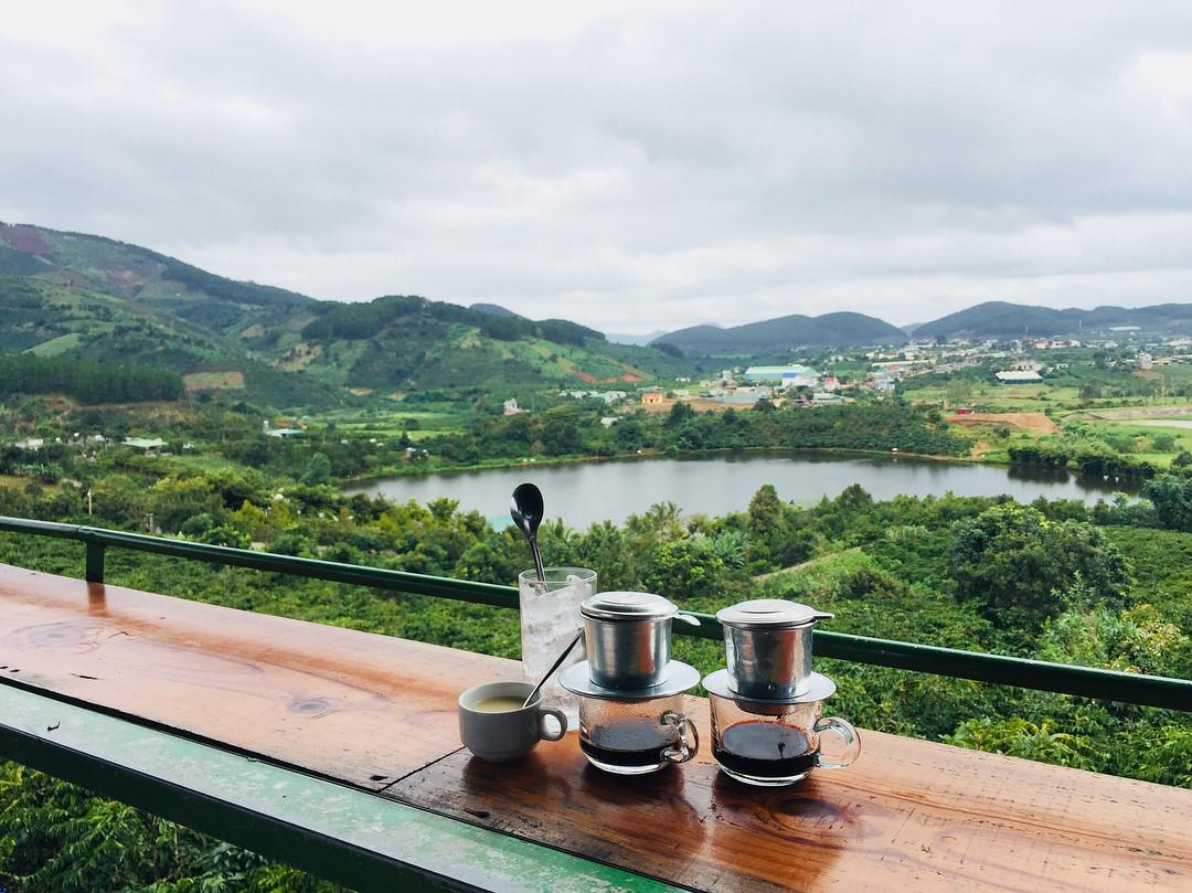 from-the-top-of-me-linh-garden-coffee-you-can-inhale-really-fresh-air