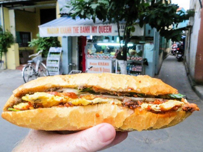 banh-my-queen-banh-my-madam-khanh-small-shop-yet-great-flavor-saigon-riders