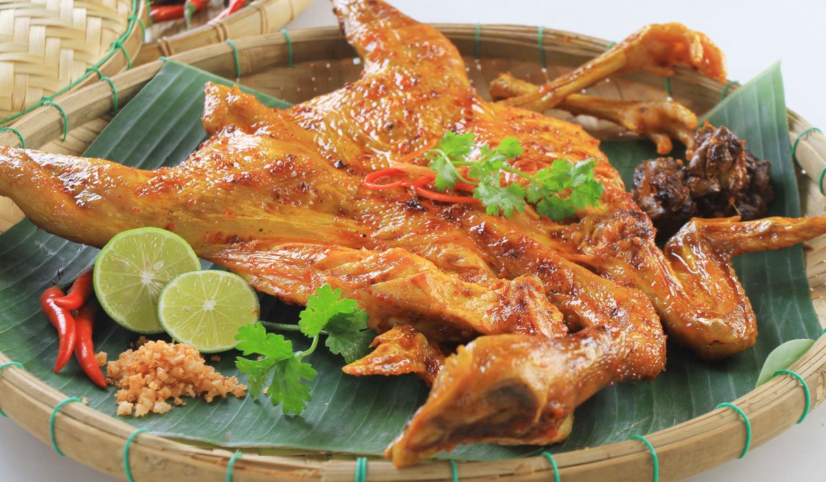 grilled-chicken-in-ban-don-can-also-be-served-with-com-lam-saigon-riders