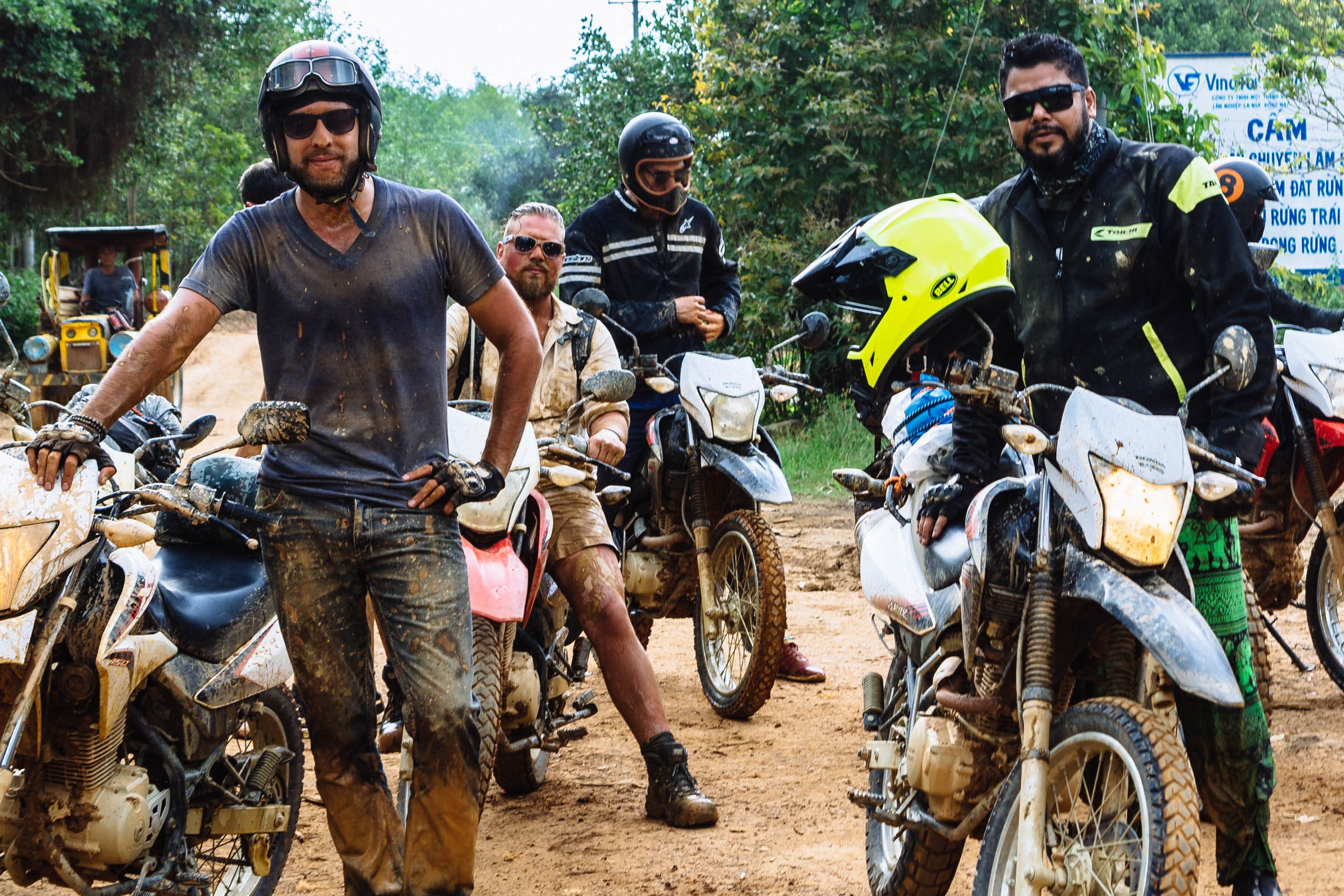 Motorbike helmet and clothing: the best tips to ride a motorcycle in Vietnam