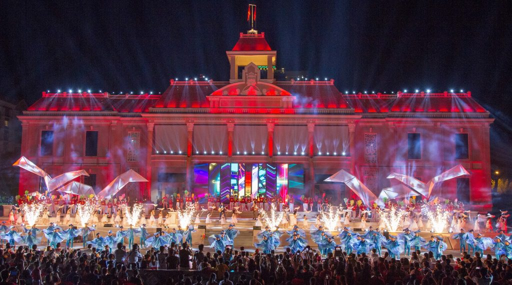 Artistic performances with vibrant music in Nha Trang Sea Festival 2018