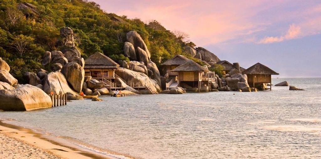 Sunset on Ninh Van Bay, Nha Trang, giving you peaceful feelings and moments