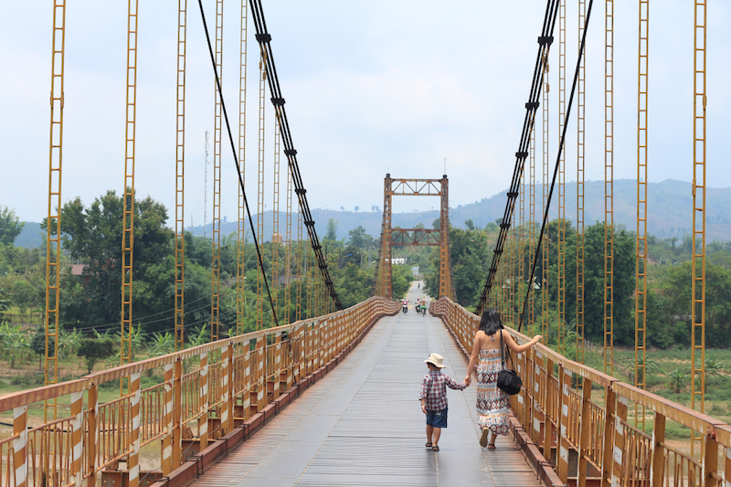 Kon Klor hanging bridge in Kon Tum is among the hot spots for adventure riding tour